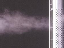 エアカーテンにより喫煙エリアからタバコの煙が拡散することを防ぎます。