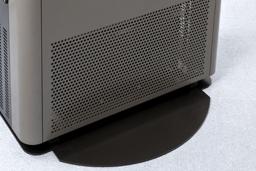 足元が寒くならない、業界初の「下部排気制御システム」。